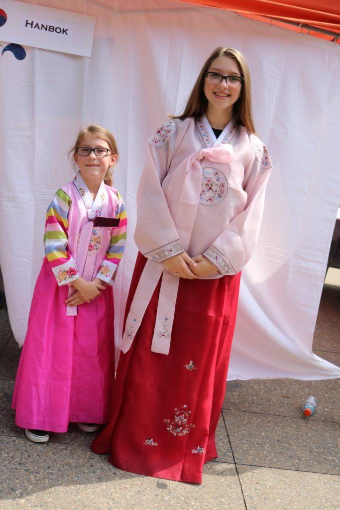 Girls in Hanbok